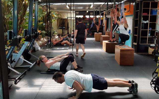 Group weight lifting class Perth